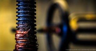 spindel van een schuifafsluiter in het koelwatersysteem in de pompkamer